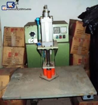 Máquina semi automática caja soldadura electrónica