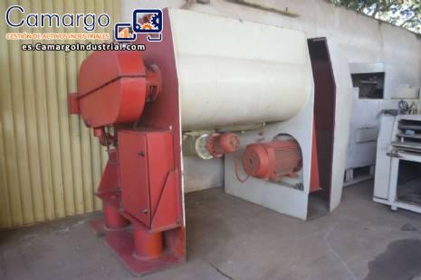 licuadora de 1000 kg con 2 ejes